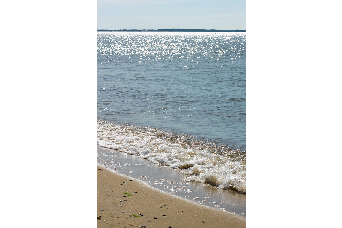 The Chesapeake Bay waves and sand